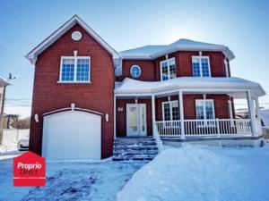 15407159 - Maison à étages à vendre