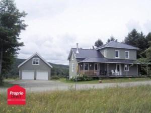 22438776 - Maison à étages à vendre