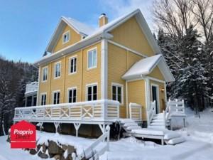 23977897 - Maison à étages à vendre