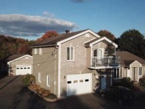 16928219 - Maison à étages à vendre
