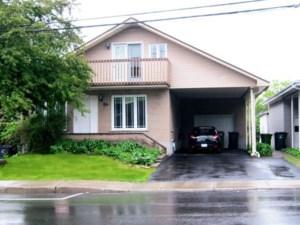 25971630 - Maison à étages à vendre
