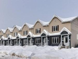 9582858 - Maison à étages à vendre