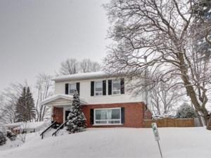 23397532 - Maison à étages à vendre
