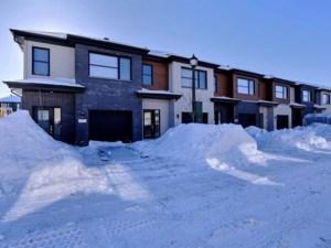 13708954 - Maison à étages à vendre