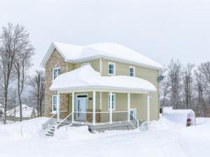 23290966 - Maison à étages à vendre