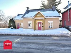 21113347 - Maison à étages à vendre