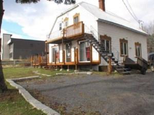 16307990 - Maison à étages à vendre