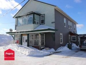 28676190 - Maison à étages à vendre