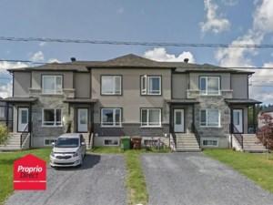 23523096 - Maison à étages à vendre