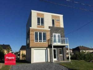 26346016 - Maison à étages à vendre