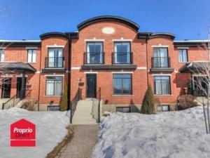 24362125 - Maison à étages à vendre