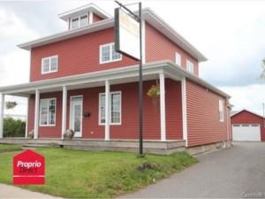 24507492 - Maison à étages à vendre