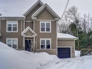 17020788 - Maison à étages à vendre