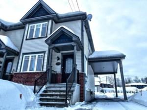 20040953 - Maison à étages à vendre