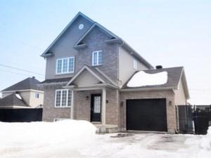 19059337 - Maison à étages à vendre