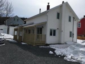 27996899 - Maison à étages à vendre