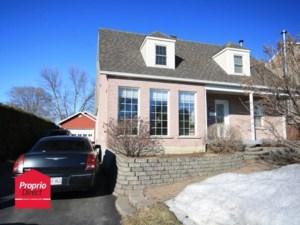 20608391 - Maison à étages à vendre