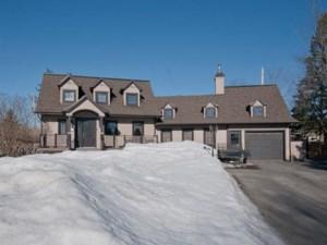 16268755 - Maison à étages à vendre