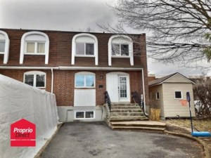 23541477 - Maison à étages à vendre