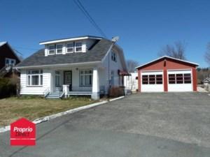 23451477 - Maison à étages à vendre