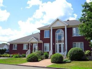 21154341 - Maison à étages à vendre
