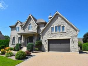 10592281 - Maison à étages à vendre