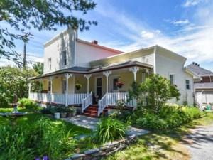 19251507 - Maison à étages à vendre