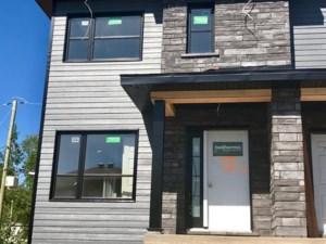 20700893 - Cottage-jumelé à vendre