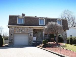 13883977 - Maison à étages à vendre