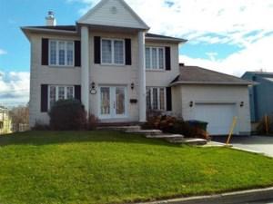 27378633 - Maison à étages à vendre