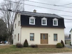 9530315 - Maison à étages à vendre