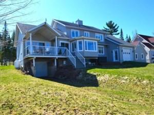 20136462 - Maison à 1 étage et demi à vendre