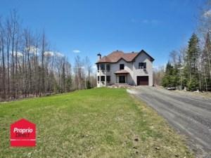 18488525 - Maison à étages à vendre