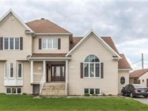 9512634 - Maison à étages à vendre