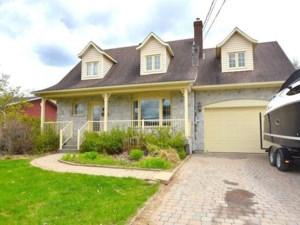 12354467 - Maison à étages à vendre