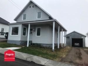 25216291 - Maison à étages à vendre