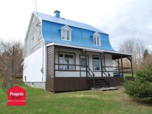 27061803 - Maison à étages à vendre