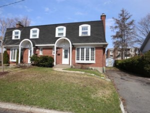 12710230 - Cottage-jumelé à vendre