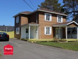 23080002 - Maison à étages à vendre
