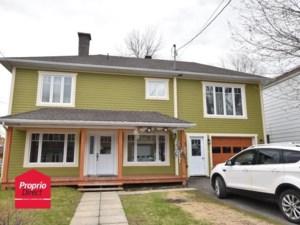 16266287 - Maison à étages à vendre