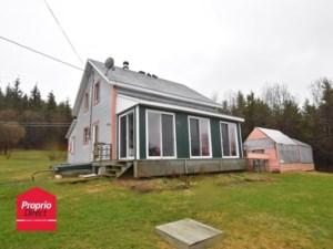 24699557 - Maison à étages à vendre