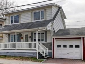 20024402 - Maison à étages à vendre