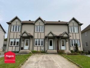 24355505 - Maison à étages à vendre
