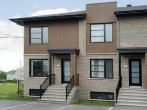 11752614 - Maison à étages à vendre
