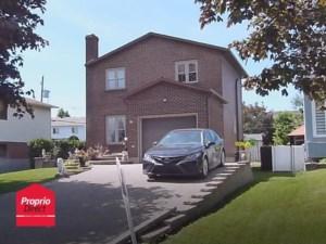 21084337 - Maison à étages à vendre