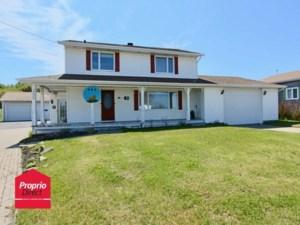 10688887 - Maison à étages à vendre