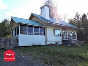 25868410 - Maison à étages à vendre