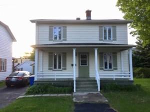 28968182 - Maison à étages à vendre