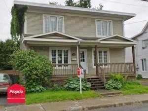 16051502 - Maison à étages à vendre