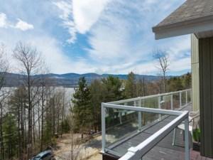 9051411 - Maison à étages à vendre